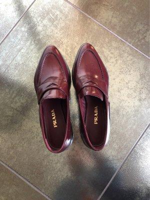 Prada Zapatos sin cordones burdeos