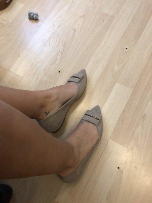 Zapatos Oxford con puntera beige