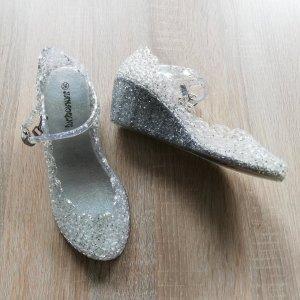 Sandalen met bandjes en hoge hakken wit