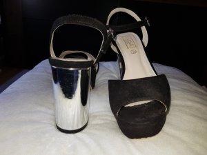 Truffle Collection Sandalo alto con plateau nero