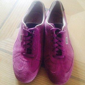 Schuhe aus Velourleder von Esprit