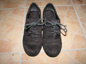 Schuhe aus Wildleder, Gr. 37