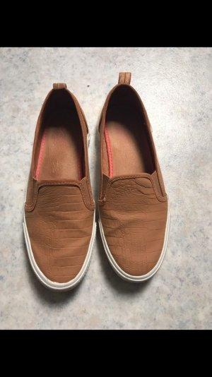 Schuhe Bershka beige