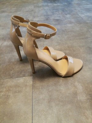 Catwalk Tacones altos beige
