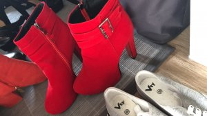 High Heel Boots red
