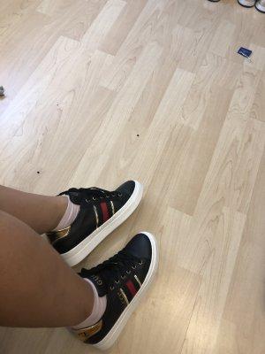 Patent Leather Ballerinas black