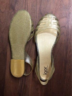 Sandalias de playa color oro