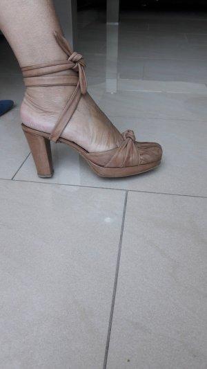 Sandalen met bandjes en hoge hakken zandig bruin