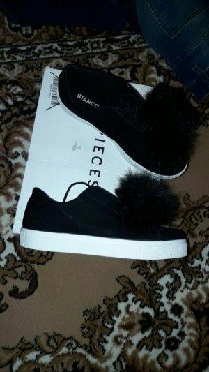 Schuhe Gr. 38 Pompon Sneaker Leder schwarz Neu Bianco