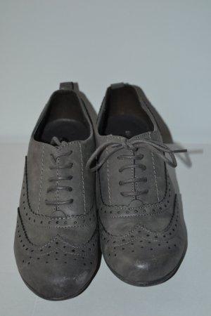 Schuhe grau mit Absatz