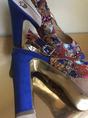 Schuhe im Versace Stil