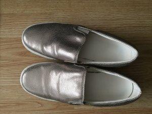 Schuhe in Altgold