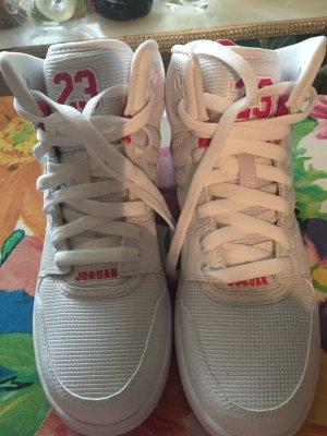 Schuhe in der Größe 37,5 ❤️ noch neu  von Jordan