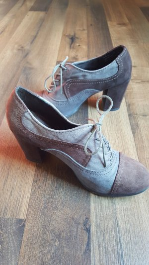 Schuhe mit Absatz