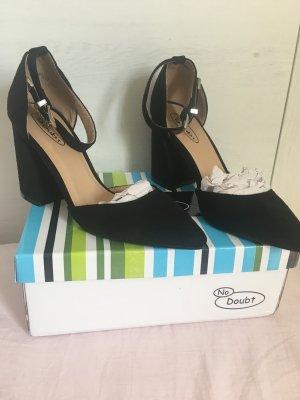 Schuhe mit Absatz / Gr. 36 / Size 3