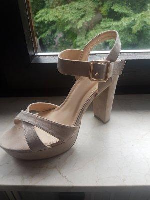 Schuhe mit Absatz gr.40