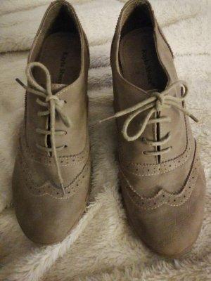Schuhe mit Absatz/Keilabsatz