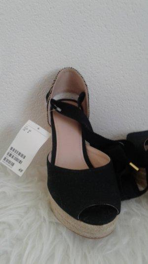 Schuhe mit Balerinaschnürung