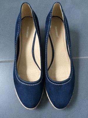 Schuhe mit geflochtenem Absatz