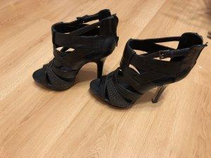 Schuhe mit hohem Absatz