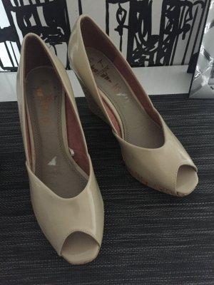 Schuhe mit Keilabsatz Große 39 in beige Neu Von Venturini
