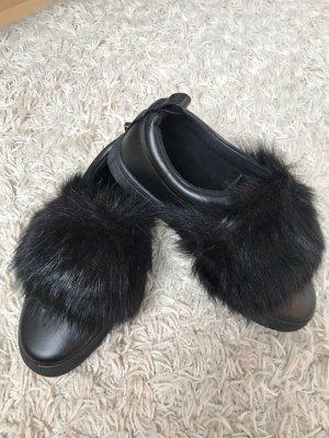 Schuhe mit Kunstfell
