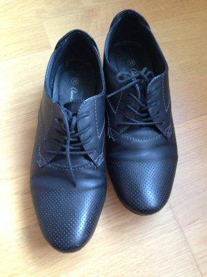Schuhe mit leichten Absatz