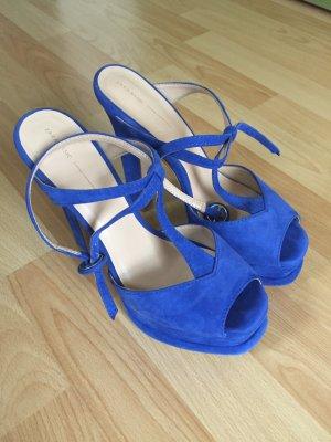 Schuhe mit Plateau
