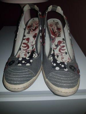 Schuhe Mustang