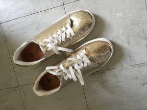 Schuhe nagelneu