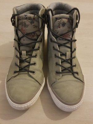 Schuhe neuwertig