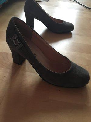 Schuhe passend zum Dirndl