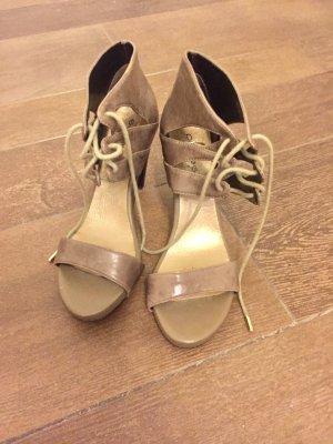 Schuhe Pumps am Knöchel zum schnüren graubraun Blockabsatz Plateau