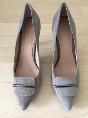 Banana Republic Spitse pumps lichtgrijs Suede