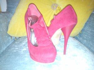 Schuhe .sehr gepflegte und schöne Mädchen Schuhe