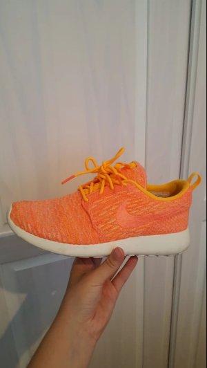 Nike Zapatillas blanco-naranja neón