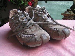 Schuhe/ Sneaker von Geox, Größe 37, braun, grau