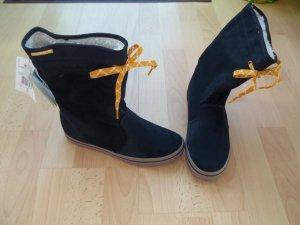 Schuhe Stiefel von Adidas in Gr. 38,5 dunkelblau warm gefüttert -> NEU
