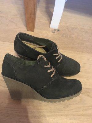 Schuhe Stiefeletten Ankle Boots mit Absatz Gr. 39