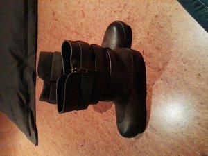 Schuhe / Stiefelletten 40