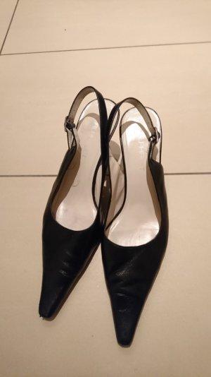Schuhe von Alphabet zu verkaufen