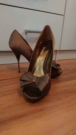 Graceland Peep Toe Pumps brown