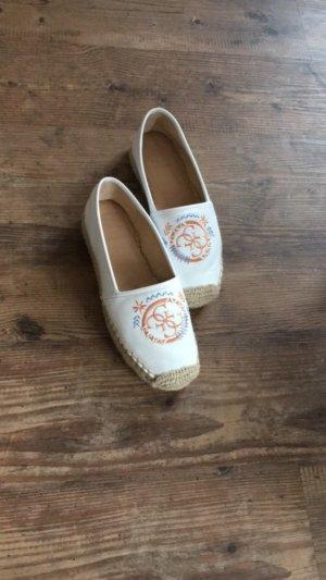 Schuhe von Guess in weiß