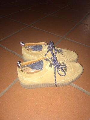 Schuhe von Hilfiger