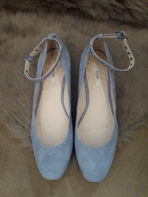 Schuhe von KIOMI