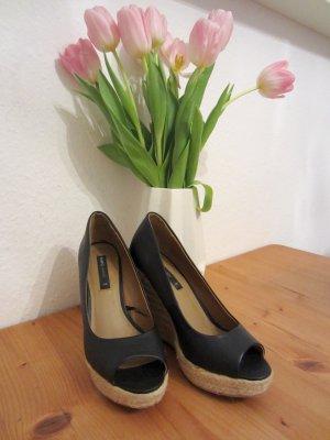 Schuhe von Mango mit Keilabsatz