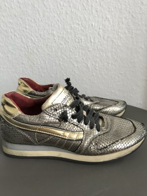 Schuhe von Primabase