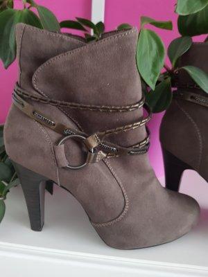 Schuhe von Tamaris in braune Farbe