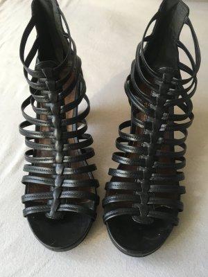 Schuhe von Tamaris, schwarz