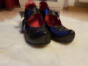 Schuhe  von tiggers.